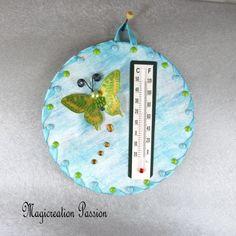 Thermomètre bleu papillon jaune et vert sur cd - Un grand marché Decoration Photo, Creations, Support, Dimensions, 3d, Crochet, Unique, Blue Green, Light Blue