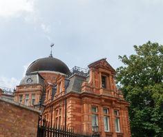 #TalDíaComoHoy de 1675 se coloca la primera piedra del Real Observatorio de #Greenwich por orden de Carlos II para estudiar la #astronomía, fijar la longitud y así facilitar una #navegación más precisa. http://www.viajaralondres.com/lugares-para-visitar-en-londres/greenwich-park/ #Londres #turismo #viajar