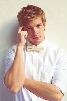 Hunter Parrish, so cute Hunter Parrish, Beautiful Men, Beautiful People, Hello Gorgeous, Gorgeous Guys, Amazing People, Der Gentleman, Raining Men, Facon