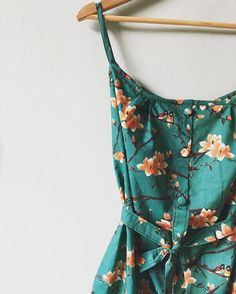 This beautiful Lottie Dress by @the_occasional_quilter has got us dreaming!