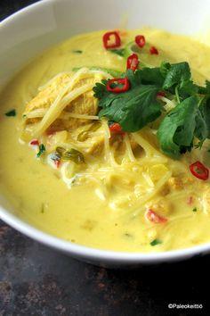 Aasialainen kookos-kanakeitto | PALEOKEITTIÖ Leelah, Thai Red Curry, Nom Nom, Avocado, Spaghetti, Ethnic Recipes, Food, Recipies, Lawyer