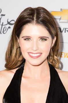 Katherine Schwarzenegger Long Wavy Cut - Katherine Schwarzenegger sported a perfectly styled wavy 'do at the Create & Cultivate 100 event. Long Braided Hairstyles, Katherine Schwarzenegger, Neutral Eyeshadow, Blush, Chris Pratt, Olivia Palermo, Braids, Hair Color, Hair Beauty