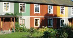 Butikshuset i Gysinge, Gästrikland - Här finns samtliga av våra kulörer uppmålade i kombination med linoljefärgsmålade fönsterfoder och spröjs. Idéer att
