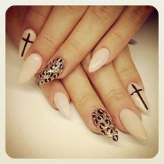 Love these but I'm not sure I could convince myself to get stiletto shape nails lol #plainjaneprobs #almondshapednails