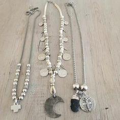 CLÁSICOS LAQUEDIVAS  Collares Mandala XL + Boho Moon + Benito c/turmalina Juntos la rompen!!! Conseguilos en la Tienda Online www.laquedivas.com.ar Envíos a todo el país Mayoristas: info@laquedivas.com.ar  Bohemian Winter by Laquedivas® Boho Jewelry, Jewelry Crafts, Beaded Jewelry, Jewelery, Handmade Jewelry, Beaded Necklace, Jewelry Design, Fashion Jewelry, Collar Hippie