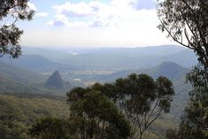 This rewarding and easy hike in the Binna Burra section of Lamington Park has many vantage points to enjoy three stunning vistas Things To Do In Brisbane, Gold Coast, Wilderness, Paths, Natural Beauty, National Parks, Wildlife, Hiking, Australia