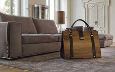 """Il sogno del cassetto il ogni donna...i tessuti della birkbag richiamano la ricercatezza di una borsa di classe Non una borsa qualsiasi, dunque, ma un oggetto carico di fascino, un'opera d'arte che non passa inosservata. Un """"pezzo"""" ricercato ma anche funzionale, studiato nei minimi dettagli.    Se la borsa è #birkbag #moda #fashion #design"""
