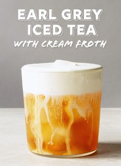Earl Grey Iced Tea with Cream Froth Want to add a decadent touch to your humble iced tea? Add this cream froth that'll turn your boring iced tea into a rich, luscious iced tea latte. Milk Tea Recipes, Iced Tea Recipes, Coffee Recipes, Milk Shakes, Yummy Drinks, Healthy Drinks, Healthy Food, Bebidas Detox, Earl Grey Tea