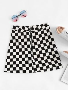 Shop Zip Up Plaid Skirt at ROMWE, discover more fashion styles online. Teenage Outfits, Teen Fashion Outfits, Stage Outfits, Skirt Outfits, Teen Fashionista, Plaid Skirts, Leather Skirts, Leather Leggings, Vetement Fashion