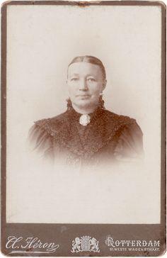 Jannetje van Buren 1848 - 1917 Gehuwd met Dirk Rodenburg 1871