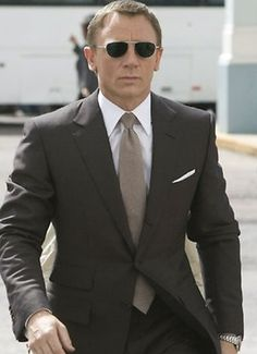 d110e1252a Daniel Craig in Tom Ford for Quantum of Solace Craig Bond