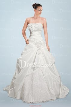 Imposing Strapless Princess Wedding Dress with Beaded Flowers and Pick-ups
