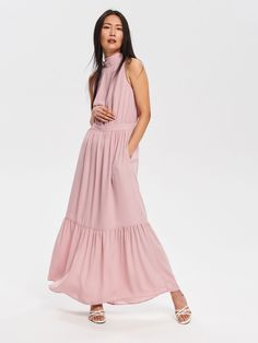 Wedding guest outfit inspiration: dresses for wedding guests under to wear to your next summer wedding Cute Wedding Guest Dresses, Summer Wedding Outfits, Summer Dresses, Wedding Guest Outfit Inspiration, Robes D'occasion, Cheap Clothes, Special Occasion Dresses, Cold Shoulder Dress, How To Wear