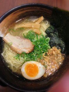 神戸三宮サンチカ  細麺で美味しかった - 7件のもぐもぐ - 塩ラーメン by iwatobi