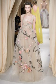 Pin for Later: 83 Couture Looks That Belong in Your Dream Wedding Valentino Haute Couture Spring 2015 Couture Looks, Style Couture, Couture Week, Haute Couture Fashion, Couture 2015, Spring Couture, Moda Fashion, Runway Fashion, Fashion Show