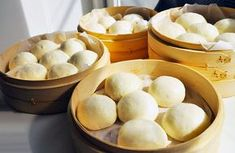 I like bapao, bakpao, ba pao or boazi. I always try to have a dozen or so in the freezer for hungry children just back from a busy school day. Easy to make! Fun Baking Recipes, Dutch Recipes, Asian Recipes, Snack Recipes, Pao Recipe, Steam Buns Recipe, Steamer Recipes, Good Food, Yummy Food