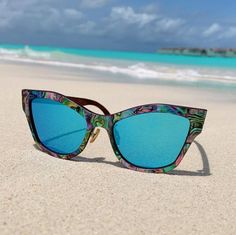 Wooden Sunglasses, Mirrored Sunglasses, Win Phone, Wedding Sunglasses, Abalone Shell, Wooden Pattern, Shell Collection, Beach Walk, Marine Life