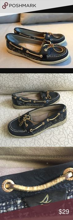 Sperry Topsider Angelfish Boat Shoes Gently used Sperry Topsider for Women shoes! These black Angelfish style boat shoes are always a classic. Pair them for comfy wear with black leggings or even casual work wear to the office. Sperry Shoes