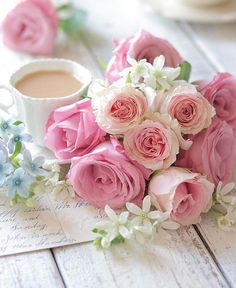 Pink roses and tea Love Rose, Pretty Flowers, Pink Flowers, Colorful Roses, Deco Floral, Rose Cottage, Jolie Photo, Color Rosa, Flower Wallpaper