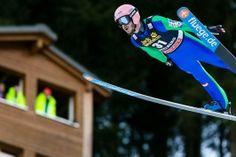 Manuel Fettner, Österreich, beim Skispringen Weltcup in Engelberg / Schweiz   Bildjournalist Kassel http://blog.ks-fotografie.net/pressefotografie/fis-skispringen-engelberg-schweiz-fotografiert/