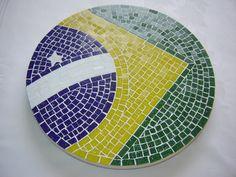 Prato Giratório para mesa, confeccionado em mosaico de pastilhas de vidro sobre MDF - 34 cm de diametro.  Outros tamanhos sob cotação. R$120,00