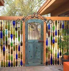 Diy Fence, Backyard Fences, Fence Ideas, Backyard Privacy, Fence Garden, Fun Backyard, Fence Landscaping, Pool Fence, Decorative Garden Fencing