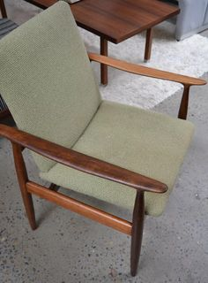 Mid Century Style, Accent Chairs, Furniture, Home Decor, Upholstered Chairs, Interior Design, Home Interior Design, Arredamento, Home Decoration