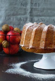 Bábovka s jablky a vlašskými ořechy 2 Vanilla Cake, Food And Drink