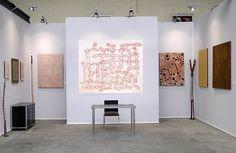 Peintrue aborigène à Art Paris Art Fair 2015