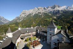 Visit Hohenwerfen Fortress : Castle Austria : Salzburgs Burgen und Schlösser