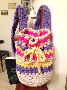תיק גב סרוג בחוטי טריקו Crochet backbag ניתן להזמין פריטים סרוגים .