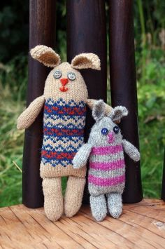 These sweet little bunnies knit up quickly with small amounts of yarn. They make a wonderful gift for children who like to role play with parent/child groups of toys.