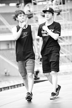 EXO'luXion 150912 : Rehearsal - Chen and Suho