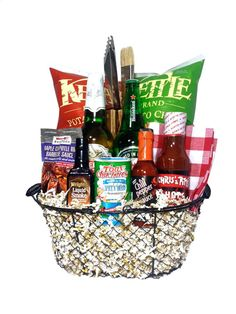 The BBQ Beer Gift Basket is available for same-day delivery in Las Vegas, NV. A great housewarming gift basket filled with Beer and BBQ Sauces, Kettle Chips and Grill Tongs. Perfect gift for the grill master! Call for custom housewarming gift baskets. Housewarming Gift Baskets, Gift Baskets For Men, Housewarming Wishes, Fundraiser Baskets, Raffle Baskets, Beer Basket, Bbq Gifts, Gifts For Beer Lovers, Christmas Baskets