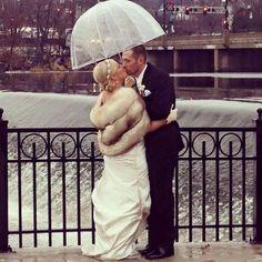 48 best Ideas for wedding winter photography fur stole Winter Wedding Fur, Winter Bride, Winter Wonderland Wedding, Christmas Wedding, Vintage Fur, Vintage Bridal, Vintage Glamour, Fur Stole, Winter Wedding Inspiration