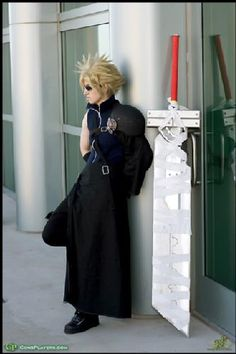 Final Fantasy Cosplay - Cloud Strife! Amazing!