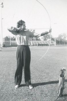 When Archers Are Graceful Girls – 34 Vintage Photos Show Beautiful Women Playing Archery