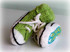 O my word. Ravelry: Vauvan tennarisukat pattern by Kati K. Fun Projects, Baby Knitting, Ravelry, Knit Crochet, Baby Shoes, Crochet Patterns, Socks, Booty, Kids