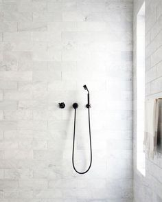 When creating a monochromatic bathroom scheme, it all comes down to contrasting tapware. A simple solution for creating a statement in a minimalistic space.  This is one thing @thebluespace know a thing or two about - head to their website www.thebluespace.com.au to view a wide selection of their bathroom product range.