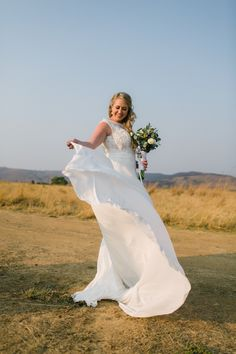 The Cowshed, Badfontein Valley - Dust and Dreams Photography Romantic Photography, Dream Photography, Wedding Photography, Wedding Ceremony, Wedding Venues, Wedding Day, Countryside Wedding, Wedding Bridesmaids, Destination Wedding Photographer