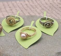 Great display idea for rings - pretty sure they can still test the size. - Picmia