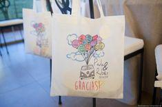 #regalospersonalizados #detallebodas #detalleinvitados #queregalar #graciasporvenir #fotografobodasmadrid Paper Shopping Bag, Reusable Tote Bags, Personalized Tote Bags, Personalized Gifts