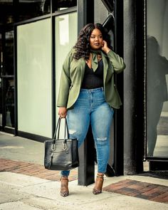 Discount stylish plus size fashion for summer. Plus Size Fashion For Women, Black Women Fashion, Plus Size Women, Womens Fashion, Casual Winter Outfits, Spring Outfits, Outfit Winter, Curvy Outfits, Fashion Outfits