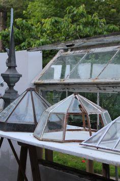 "K & Co. ""Among Vintage & Friends"". Garden Deco, Garden Tools, Little Green House, Garden Cloche, Mini Serre, Victorian Greenhouses, Vintage Friends, Mini Greenhouse, Potting Sheds"