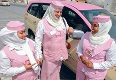 pink taxi drivers in Dubai - only for women - had a beautiful drive through the city in the night :)