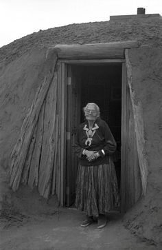Elderly Navajo woman, Ian Kelsall