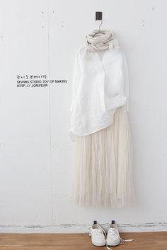 Modest Fashion Hijab, Skirt Fashion, Fashion Outfits, Japanese Street Fashion, Korean Fashion, Olive Clothing, Islamic Fashion, Japan Fashion, Lovely Dresses