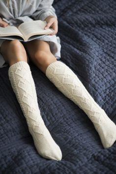 Novita wool socks, Heart socks made with Novita 7 Brothers yarn Cable Knit Socks, Woolen Socks, Crochet Socks, Knitting Socks, Over Knee Socks, Thigh High Socks, Thigh Highs, Men In Heels, Colorful Socks