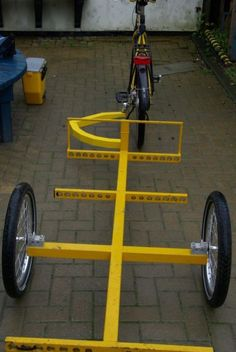 Mountain Bike Shop, Three Wheel Bicycle, Bike Cart, Dog Gadgets, Bicycle Store, Cargo Bike, Bike Design, Car Wash, Cool Bikes
