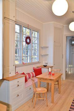 Ekgården | Perfect Inredning Rum, Tiny House, House Plans, Pantry, Kitchen, Table, Garage, Chicago, Corner